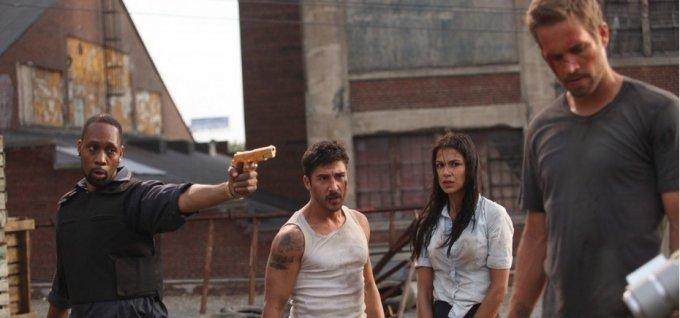 фото девушки из фильма 13 район