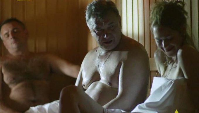 russkie-golie-smotret-onlayn